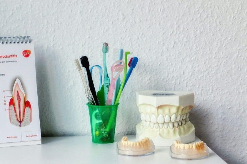 Tandartsenpraktijk Peters B J E M & Werf P P D M vd tandarts lachgas