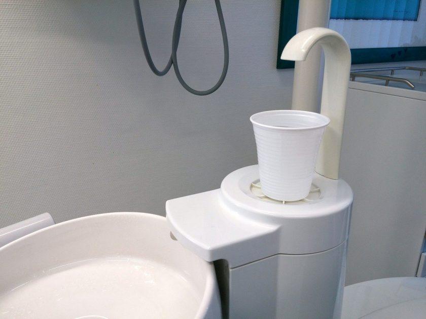 Kremasti tandarts behandelstoel