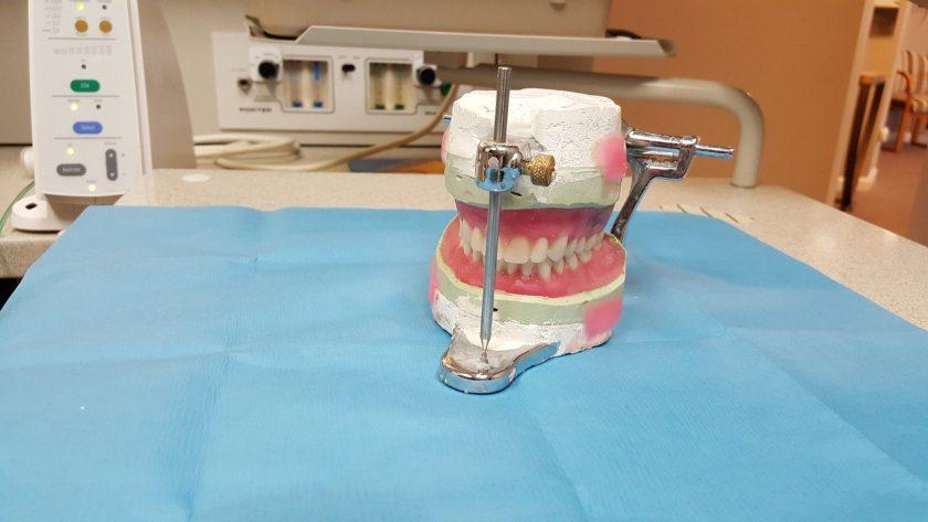 R.A. Hartsuiker, tandarts tandarts