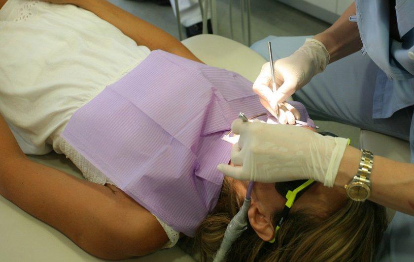 Stellingwerf J B tandarts lachgas
