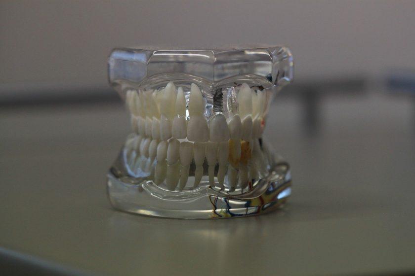 T.C. de Beer- Tandarts tandarts behandelstoel